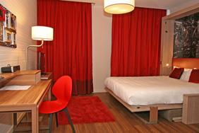 University Bedroom - Cityscape Red